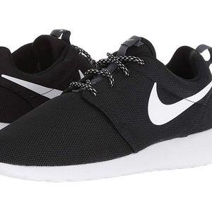 Womens Nike Roshe One